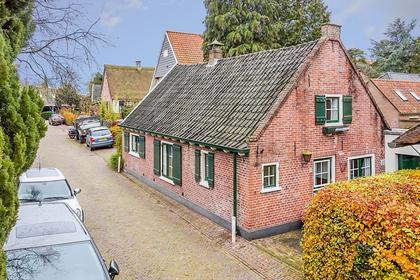 Hendrik Valkenburglaantje 2 in Laren 1251 ZJ