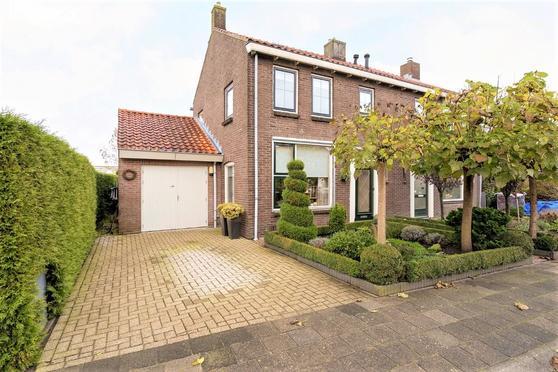 Plasweg 17 B in IJsselmuiden 8271 CE