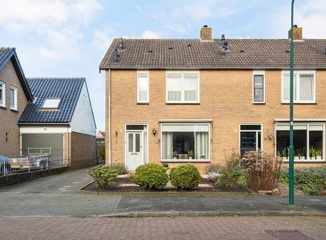 Schoolstraat 9 in Bunschoten-Spakenburg 3751 EK