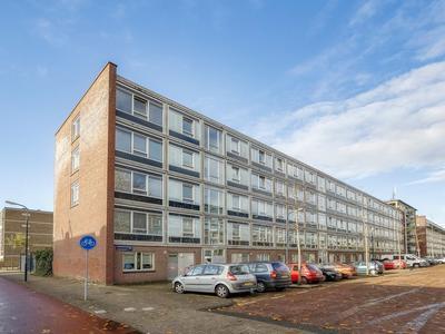 Lederambachtstraat 238 in Amsterdam 1069 HM