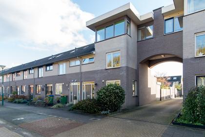 Kaardenbol 22 in Veenendaal 3903 GZ