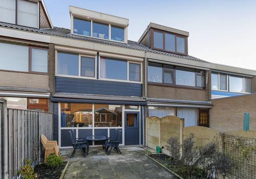 Smallandstraat 33 in Pernis Rotterdam 3195 AP