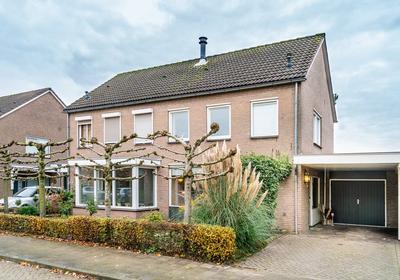Burgemeester Van Claarenbeekstraat 33 in Ravenstein 5371 BK