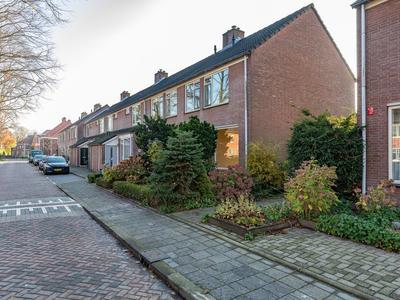 Dr. Kuyperstraat 25 in Ridderkerk 2982 XC