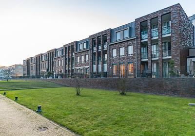 Willem Landrestraat 102 in Ridderkerk 2983 AX