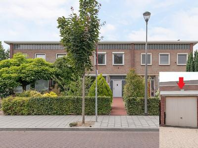 Oranje Nassaustraat 7 in Elst 6661 EB