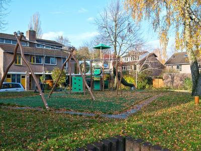 Rensumaheerd 93 in Groningen 9736 AD