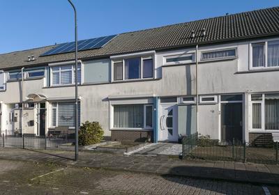 Merelstraat 13 in Oosterhout 4901 BG