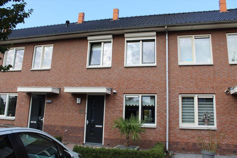 Scharenburg 21 in Zoelen 4011 EJ