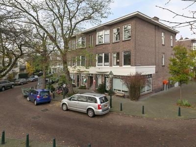 Van Imhoffplein 16 in 'S-Gravenhage 2595 SK