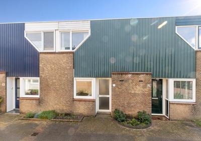 Meestoof 4 in Oud-Beijerland 3261 EK
