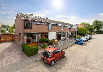 Bernhardstraat 12 in Nieuw-Beijerland 3264 XC