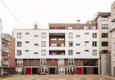 Rapenburgerstraat 128 + Pp in Amsterdam 1011 ML