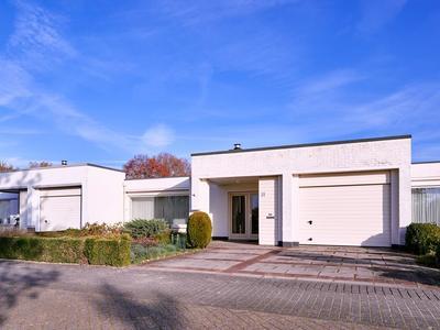 Lorentzstraat 31 in Helmond 5707 EV