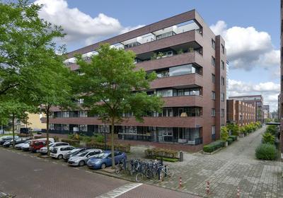 Johan Hofmanstraat 191 in Amsterdam 1069 KD