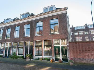 Muys Van Holystraat 22 in Dordrecht 3311 GJ
