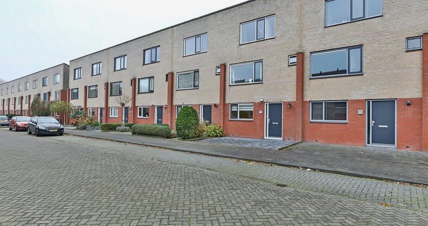 Jakob Israel De Haanstraat 47 in Groningen 9745 DP