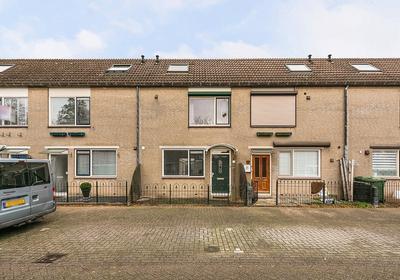 Waardenburgdam 11 in Rotterdam 3077 JM