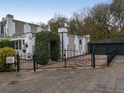 Loevestein 102 in Dordrecht 3328 JL