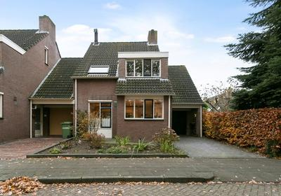 Schuttersveld 14 in Halsteren 4661 MA