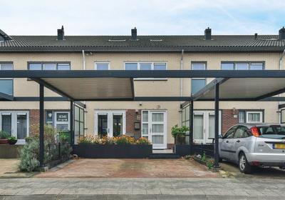 Vrije Zeestraat 26 in Almere 1335 VT