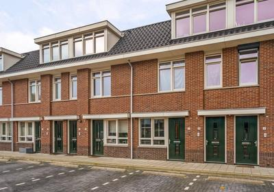 Anna-Hoevestraat 12 in Brielle 3232 VC