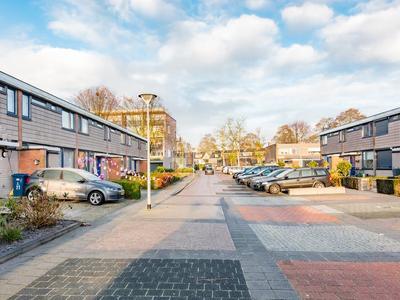 Violenstraat 19 in Barneveld 3772 GL