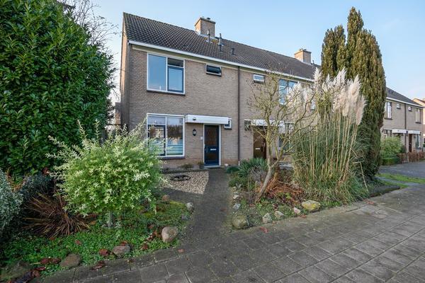 Jan De Waalstraat 12 in Sleeuwijk 4254 EM