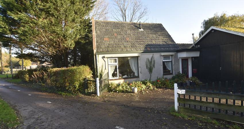 Zwaagdijk 273 in Zwaagdijk-Oost 1684 NH