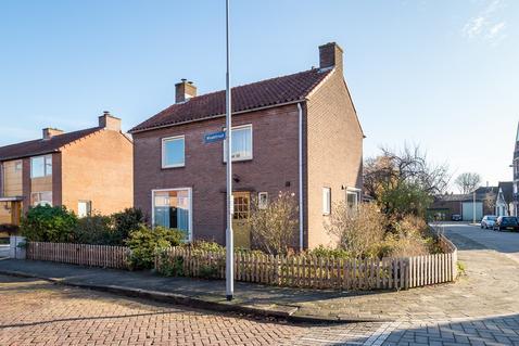 Waalstraat 1 in Geldermalsen 4191 BP