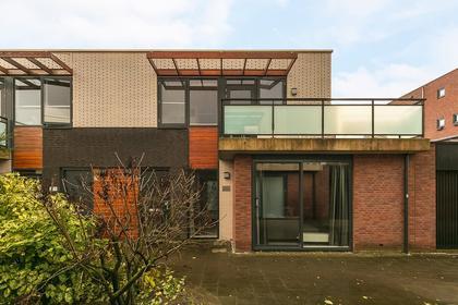 Avenue Carnisse 223 in Barendrecht 2993 MD