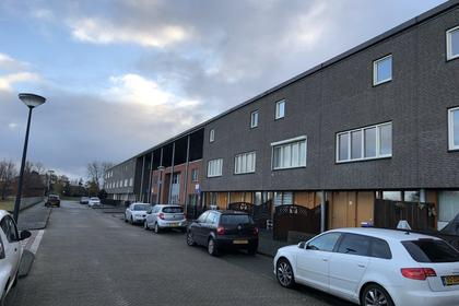 Carry Van Bruggenhof 95 in 'S-Gravenhage 2548 MT