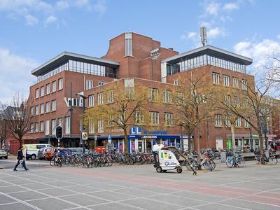 Piet Heinstraat 19 in Enschede 7511 JE