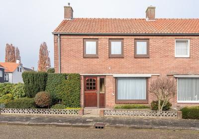 Van Aldeneyckstraat 8 in Hilvarenbeek 5081 JH
