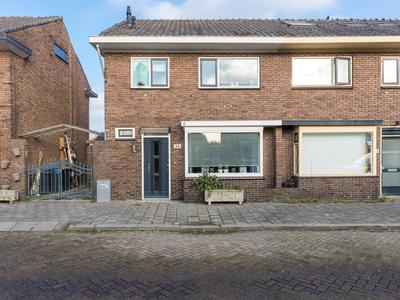 Amaliastraat 34 in Ridderkerk 2983 EA