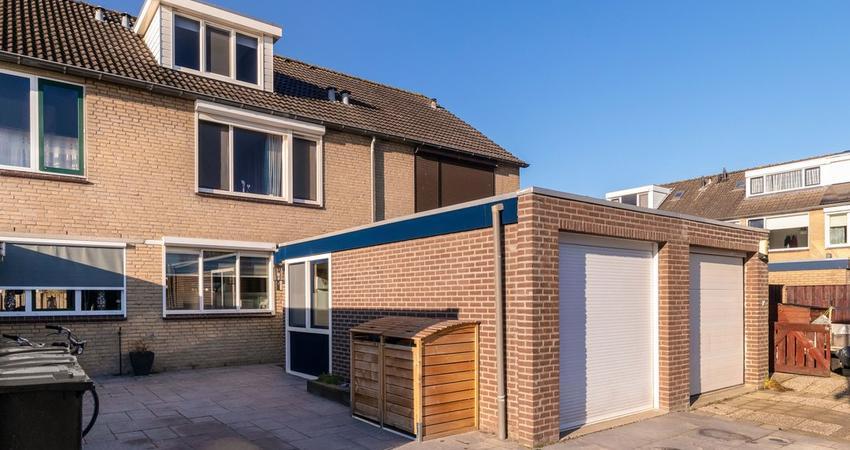 Ansekerke 28 in Zevenbergen 4761 NB
