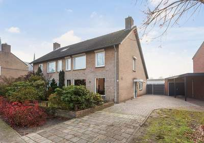 Kapelstraat 43 in Beek En Donk 5741 CB
