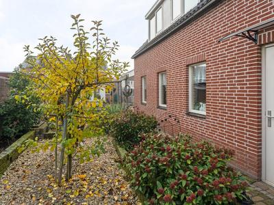 Rozenkransstraat 62 in St. Willebrord 4711 CZ