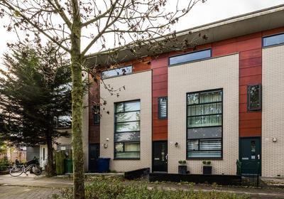 Suze Robertsonstraat 28 in Almere 1318 LZ