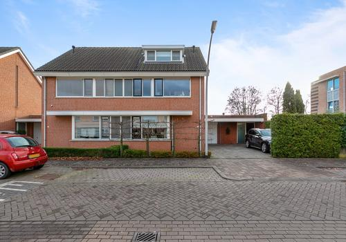 Fonteinkruid 6 in Hendrik-Ido-Ambacht 3344 CB