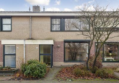 De Leemput 19 in Halsteren 4661 VP