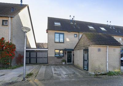 Madelief 19 in Hoogvliet Rotterdam 3191 RL