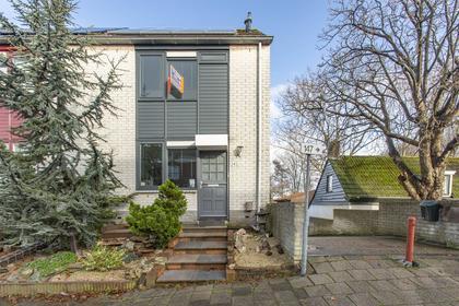 Zestienhovensekade 145 in Rotterdam 3043 KL