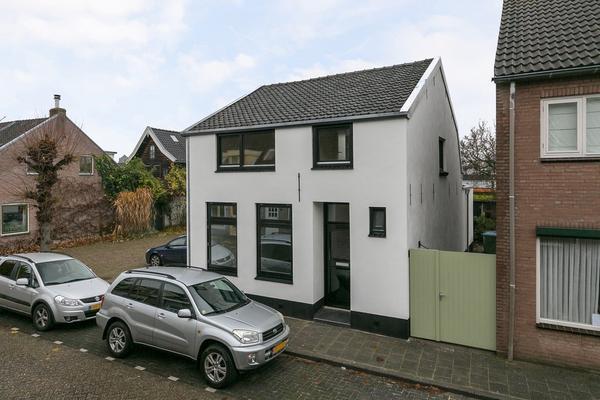 Zandheuvel 77 in Oosterhout 4901 HV