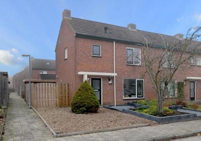 Mezenstraat 17 in Brummen 6971 XL