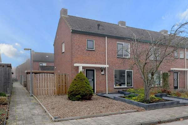 Mezenstraat 17 in Brummen 6971 XL
