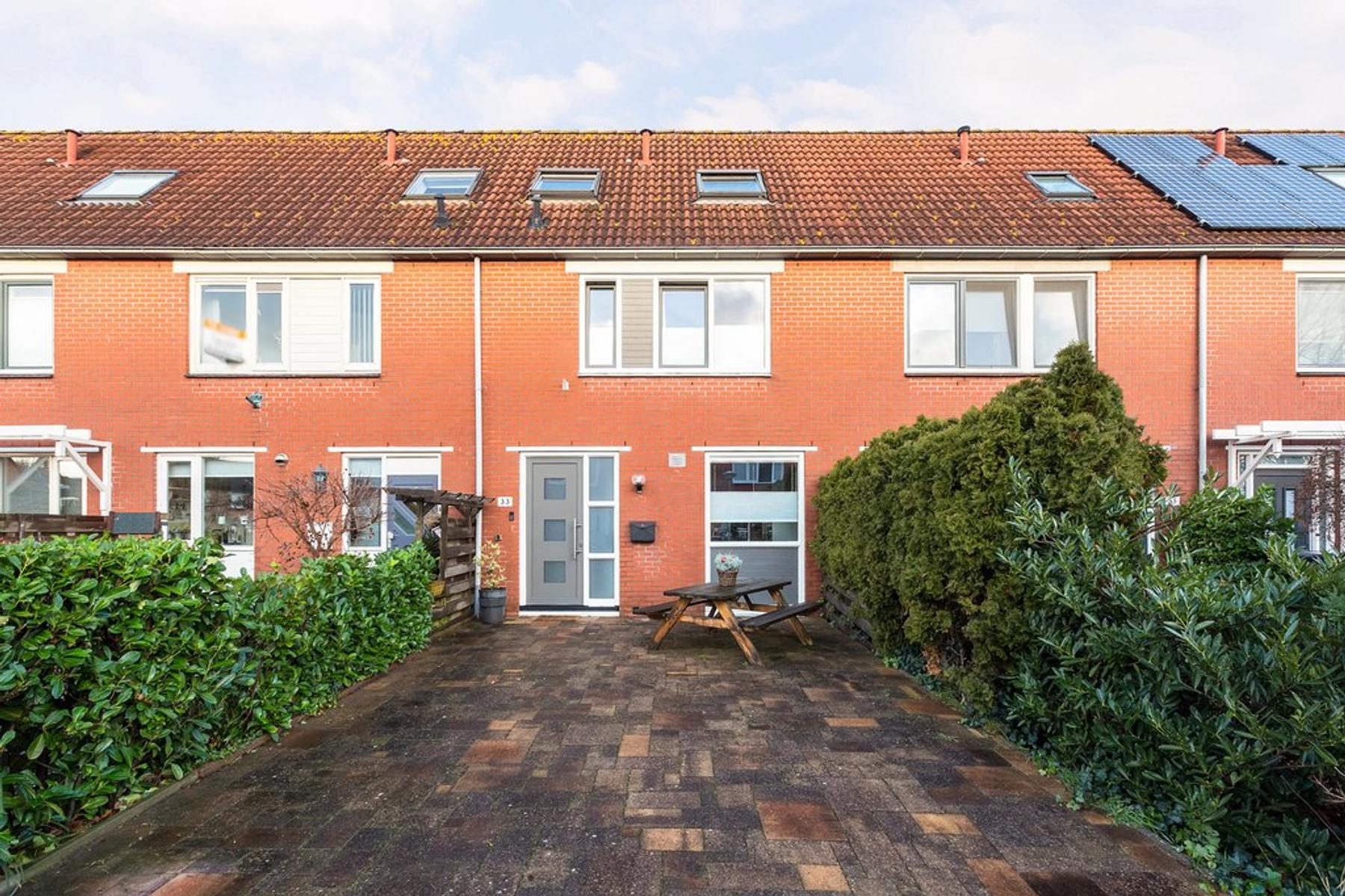 Mosselstraat 33 in Almere 1317 KK
