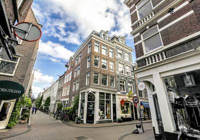 Tweede Tuindwarsstraat 1 -1 in Amsterdam 1015 RX