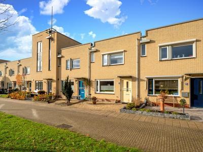 Moerasmeer 78 in Houten 3994 JL