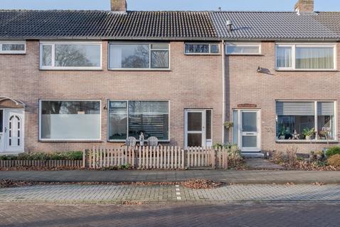 Suze Groenewegstraat 33 in Purmerend 1442 NA